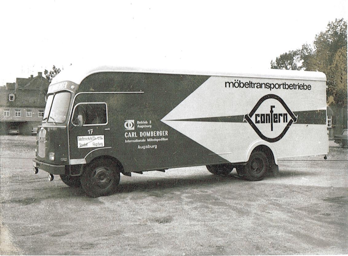 Historischer Umzugstransporter der Firma Domberger